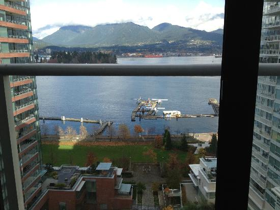 Pinnacle Hotel Vancouver Harbourfront: My Room View