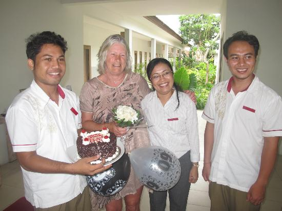 ‪‪Ivory Resort Seminyak‬: Ivory Resort Managemant team and staff making mom's birthday very special! Thank you!