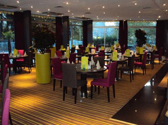 Mercure Beaune Centre : salle de restaurant