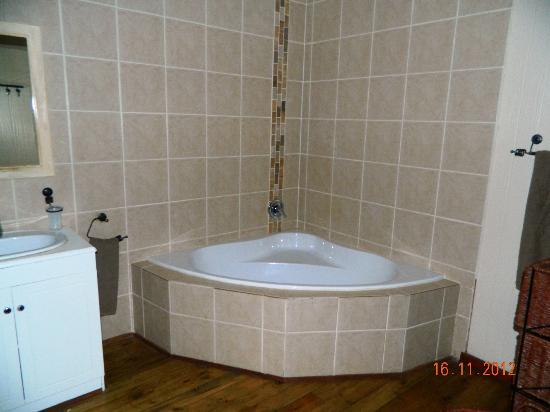 Coco Rico Resort: Bath