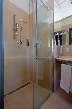 Bagno box doccia foto di hotel imperiale gatteo a mare tripadvisor - Bagno imperiale ...