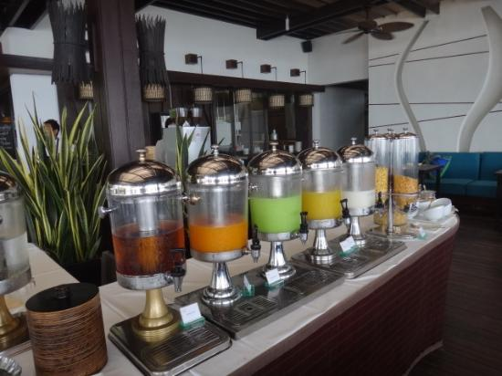 Sareeraya Villas & Suites: Juices