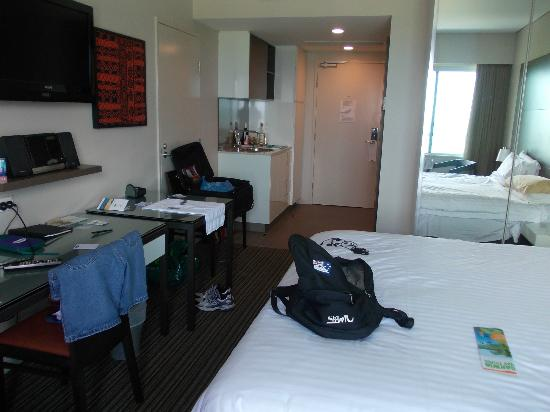 Adina Apartment Hotel Darwin Waterfront: Studio room 437, small but OK