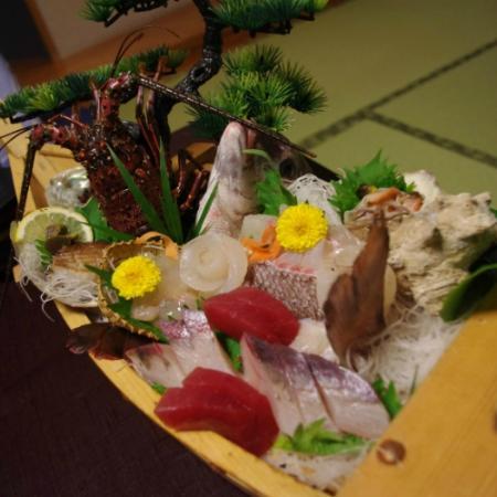Resort Hills Toyohama Sora no Kaze: この日の舟盛り。