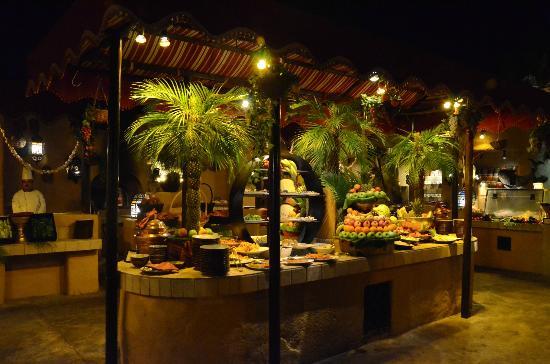 Al Hadheerah: Open Buffet