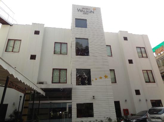 "Walson Spa ""O"" Tel: exterior of the hotel"