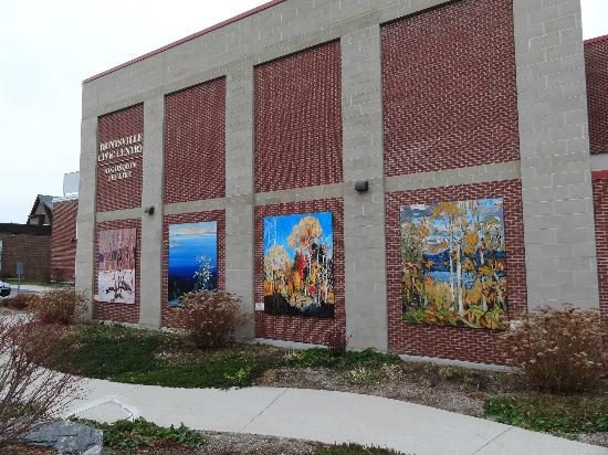 Group of Seven Outdoor Gallery: Murals outside Huntsville Civic Centre
