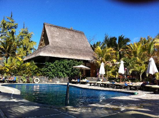 Emeraude Beach Attitude: Vue piscine