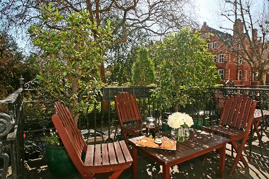Collingham Serviced Apartments: View of Collingham Gardens