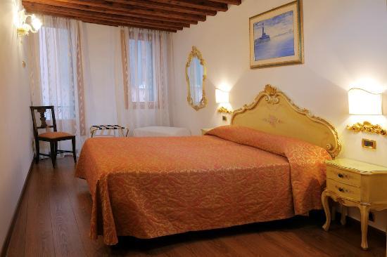 洛坎達阿萊昂酒店