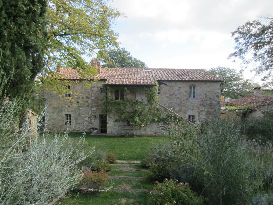 Agriturismo Casa Fabbrini: The guests house from the garden