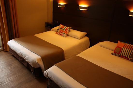 Hotel Ambassadeurs : Chambre Quadruple