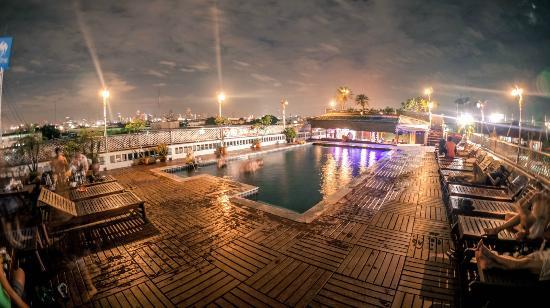 ดี&ดี อินน์: Pool view