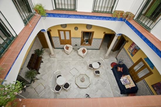 Trotamundos Youth Hostel: VISTA DESDE LA 2º PLANTA