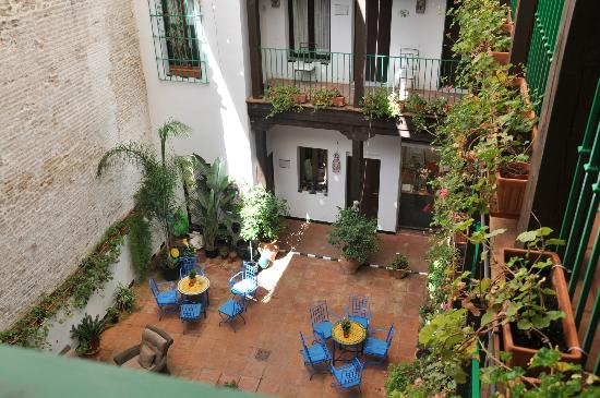 El Rey Moro Hotel Boutique: view of courtyard from the room