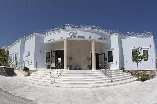La Mer Deluxe Hotel, Spa Resort & Conference Center: Hotel Entrance