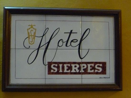 Hostal Sierpes: Targhetta hotel!!