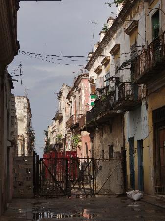 Casa Migdalia Caraballe Martin : Calle Santa Clara