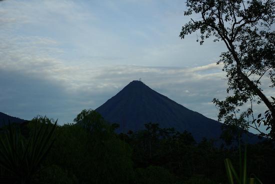 Princesa de la Luna Eco Lodge: Volcán Arenal, vistas des de la terraza de la habitación