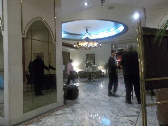 Shepheard Hotel: lobby