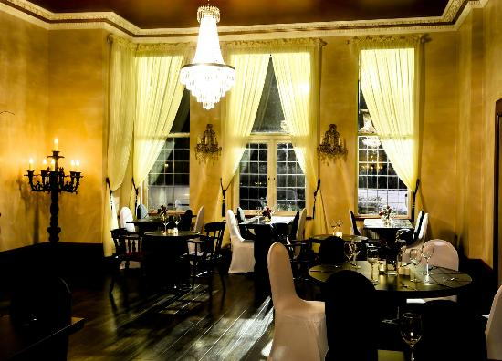 The Kings Oak Hotel Lounge