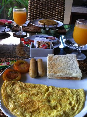Amasya Villas: breakfast in the villa