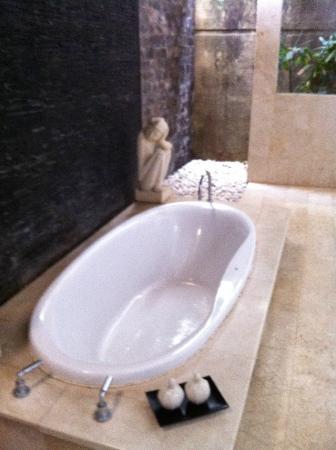 Amasya Villas: Bathtub