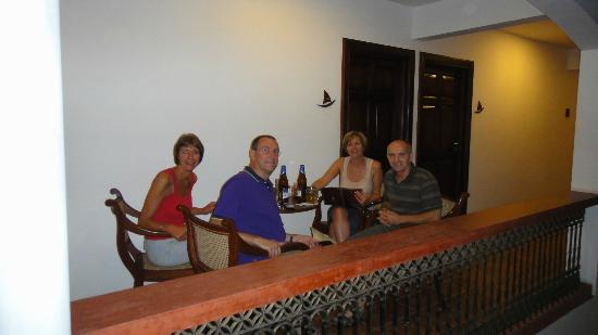 The Killians Boutique Hotel : Having drinks/room service in the hall way overlooking the Pool