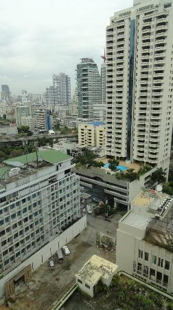 Rembrandt Hotel Bangkok : view from our 14th floor room
