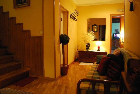 Hotel Cal Nen: detalls accés habitacions , detalles acceso habitaciones