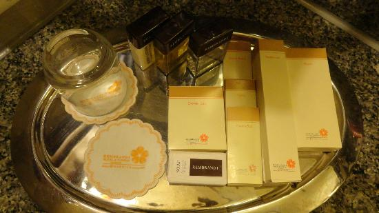 Rembrandt Hotel Bangkok: complimentary stuff