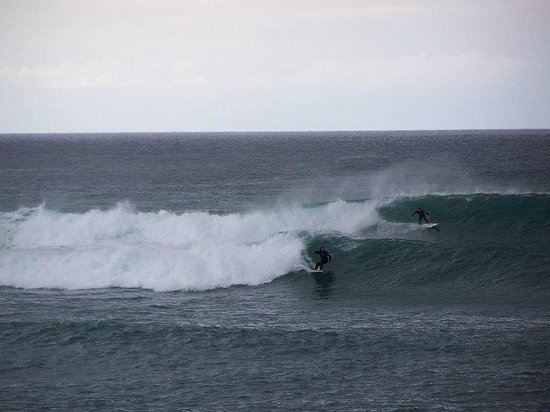 Good Feeling Hostel: surf in winter 7 Km from the hostel