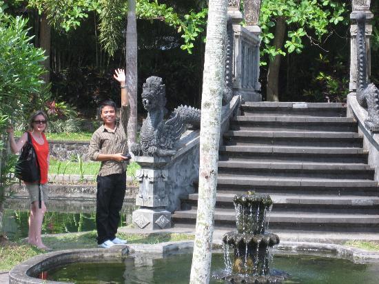 Naughty Monkey: Welcome to Bali!