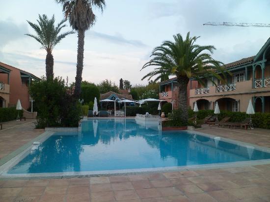 Le Domaine De L'Astragale: 1ère piscine