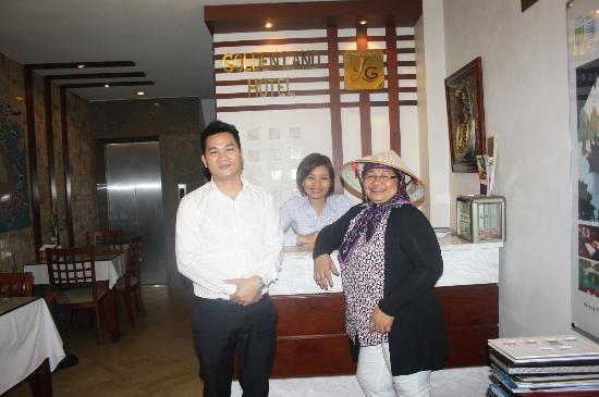 Golden Land Hotel: with the personnel