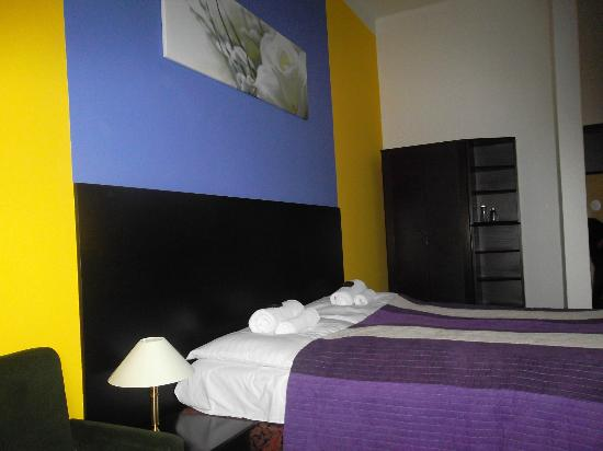 Hotel Bila Ruze : SGL / DBL non smoking