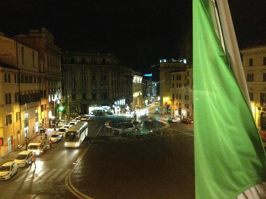 Hotel Bernini Bristol: View from Room 104, Hotel Bristol, Roma