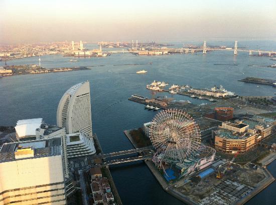 Yokohama Royal Park Hotel: fresh bright morning!