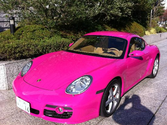 Yokohama Royal Park Hotel: funky pink Porsched decorating the hotel forecourt!