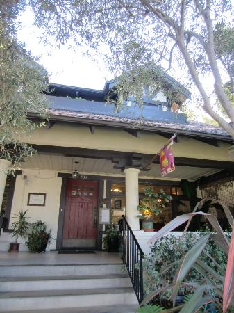Old Yacht Club Inn Vacation Rentals: Front door entrance.....