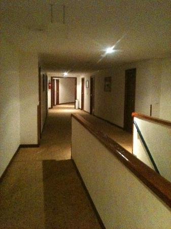 Mogador Express Bab Doukkala: Hotel Corridor - Press Button For Lighting