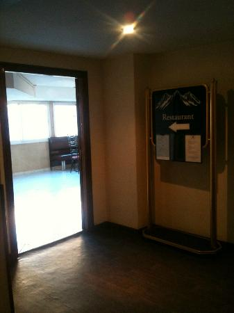 Mogador Express Bab Doukkala: Dining Entrance