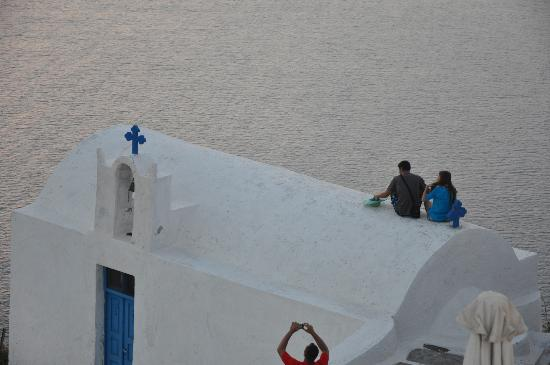 Grace Santorini Hotel: Sunset watchers