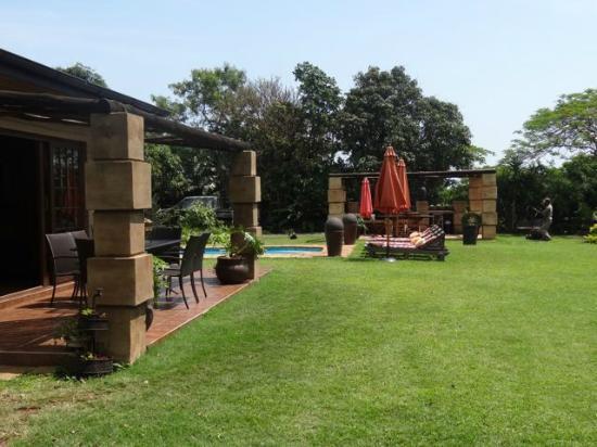 Ama Zulu Guesthouse: außen