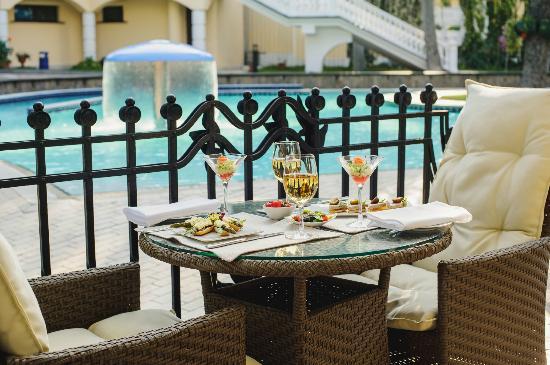 Hotel Oreanda: Oreanda Restaurant, summer terrace