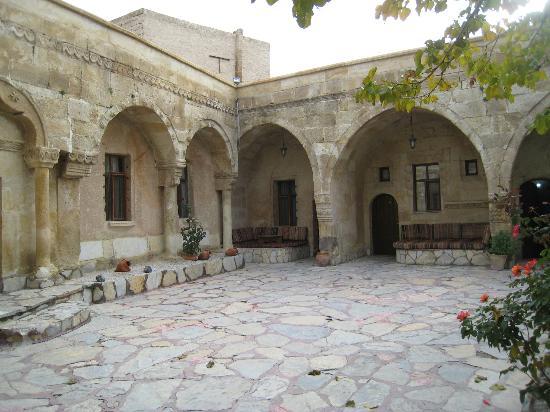 Cappadocia Palace: 中庭?