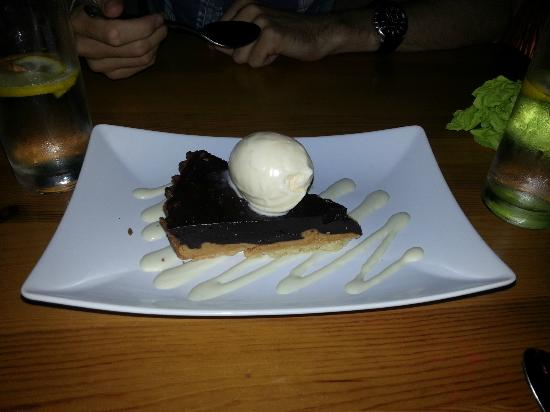 Coco Rio Restaurant: Chocolate And Peanut Butter Tart !
