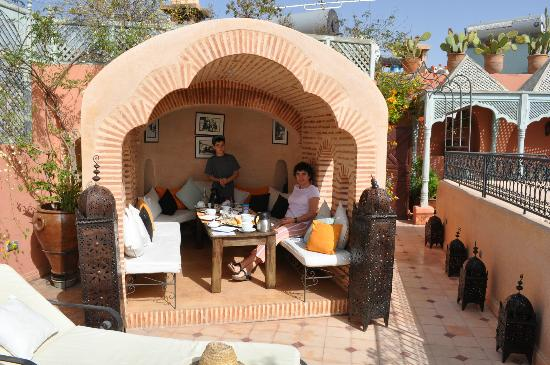 Riad Anabel: Petit déjeûner sur la terrasse