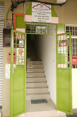 Karim CT Guesthouse: 入り口