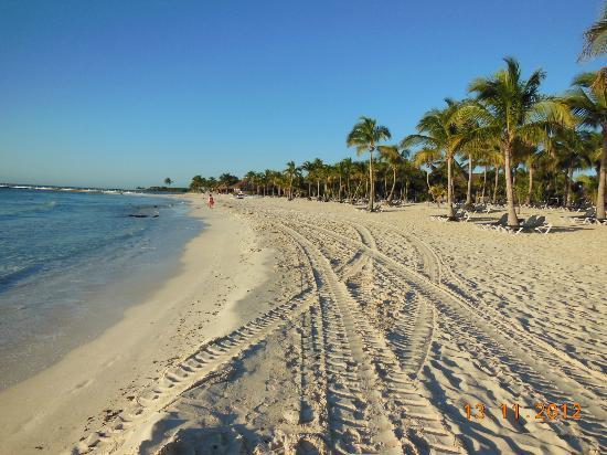 Barcelo Maya Tropical: La spiaggia